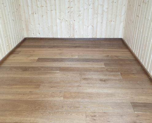 Bauwagen mit Holz-Parkettboden